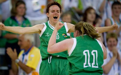 650x400-IrishFemaleTeam_Excitement_ok