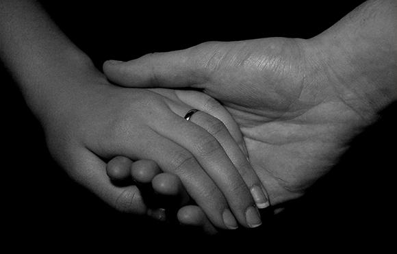 holding-hands-1526898_ok