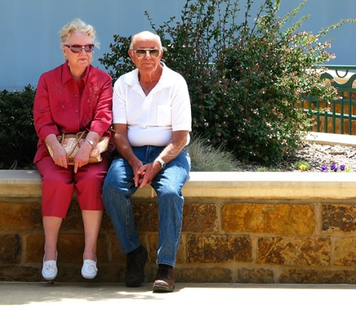 happy-elderly-couple-1429741_ok