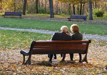"""Lanzan en toda Europa la campaña """"Sé fuerte y ponte de pie"""" para que toda la familia participe en la prevención de caídas en las personas mayores"""