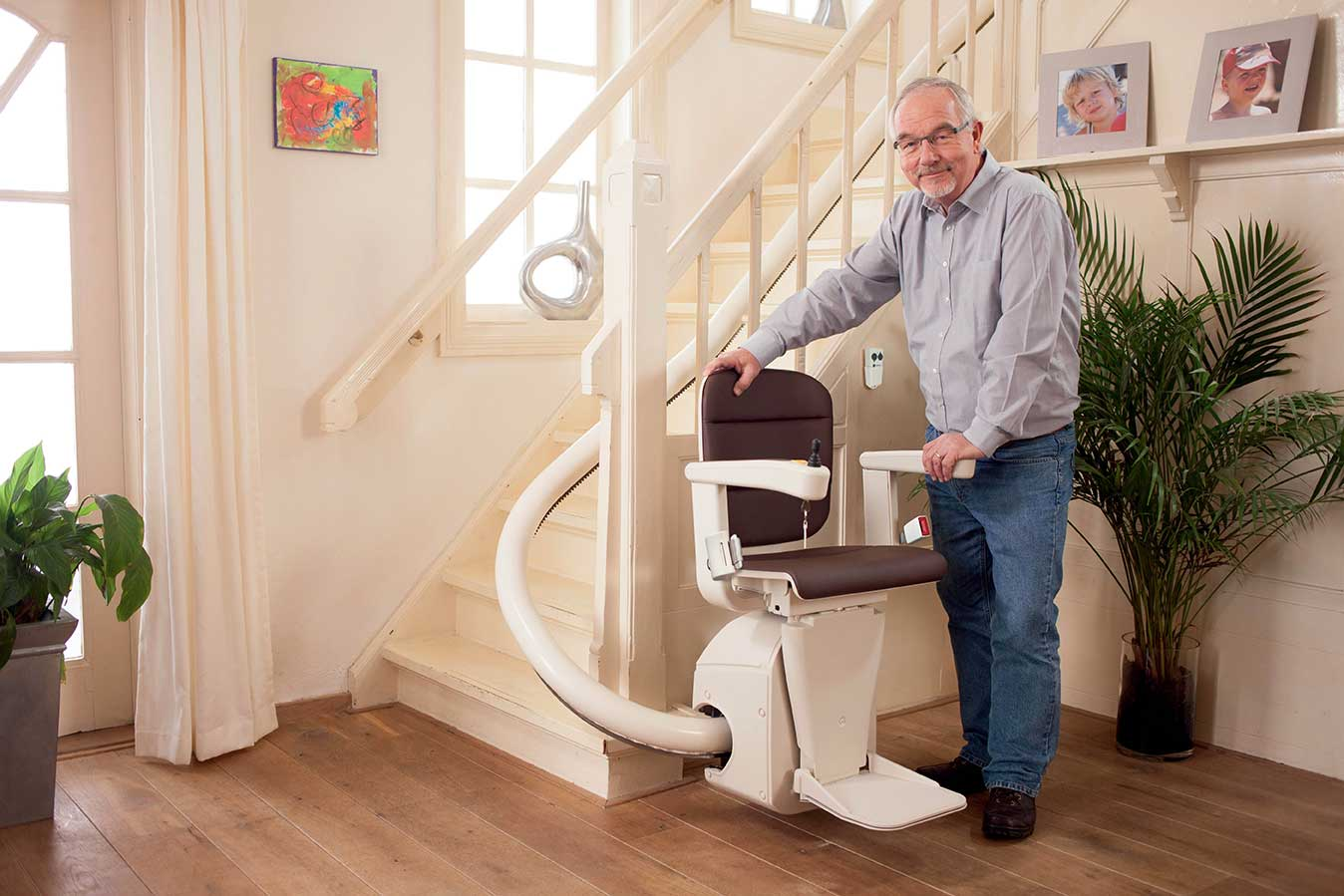 Unum, la silla salvaescaleras que se integra en el entorno